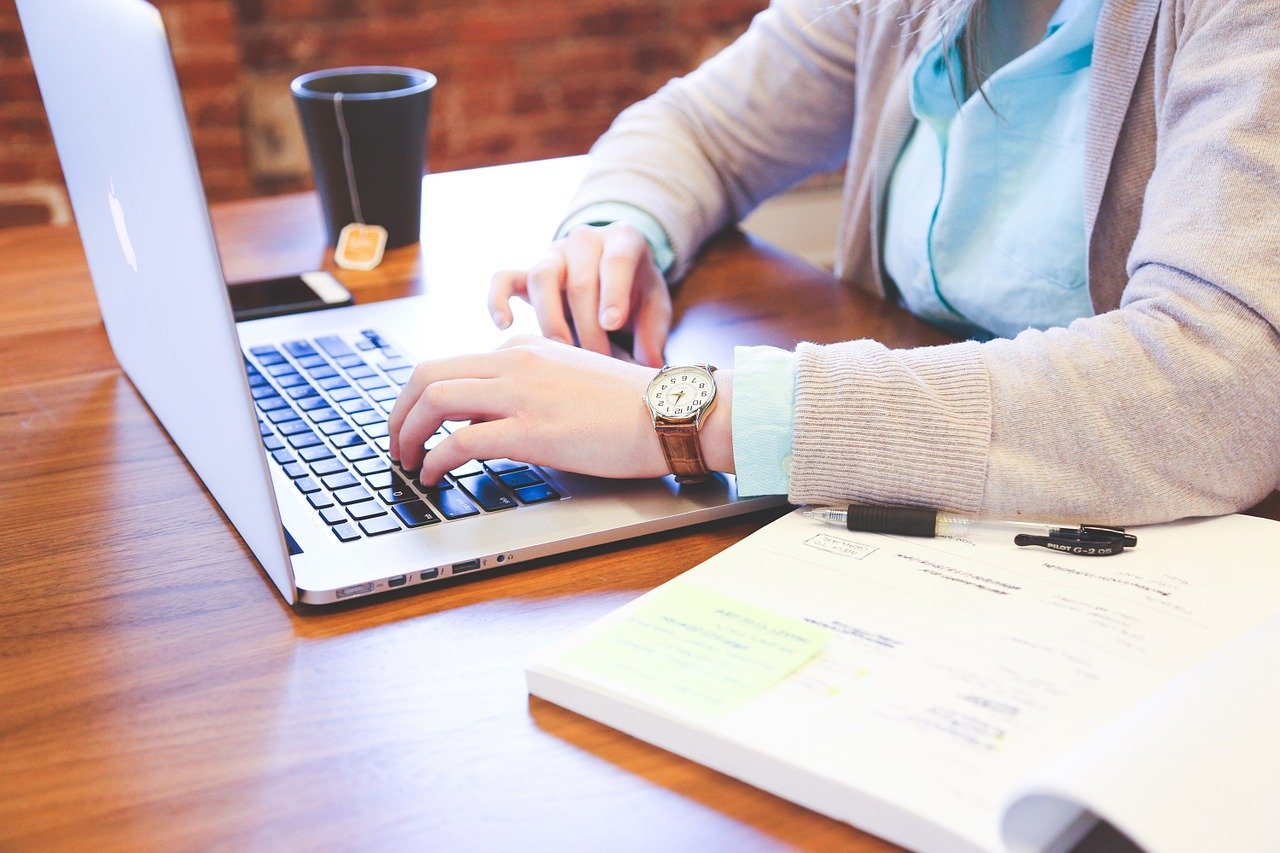 What is Freelance Writing and How Do I Become A Freelance Writer?